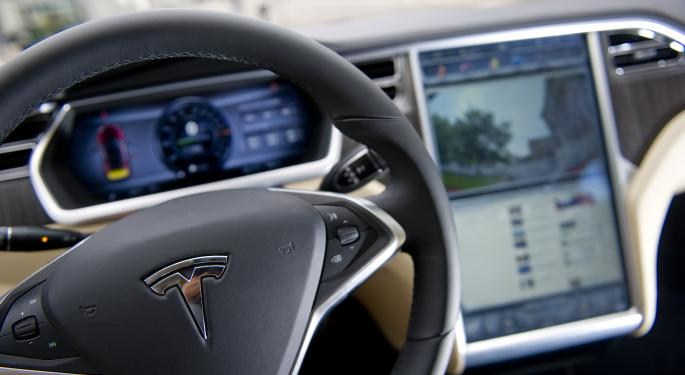 Tesla Hands Model S Keys Over to Car-Guy Lawmakers