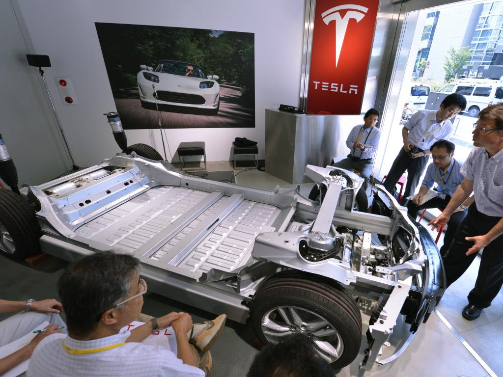 Tesla In Talks For A New Battery Supplier As Safety Concerns Spread