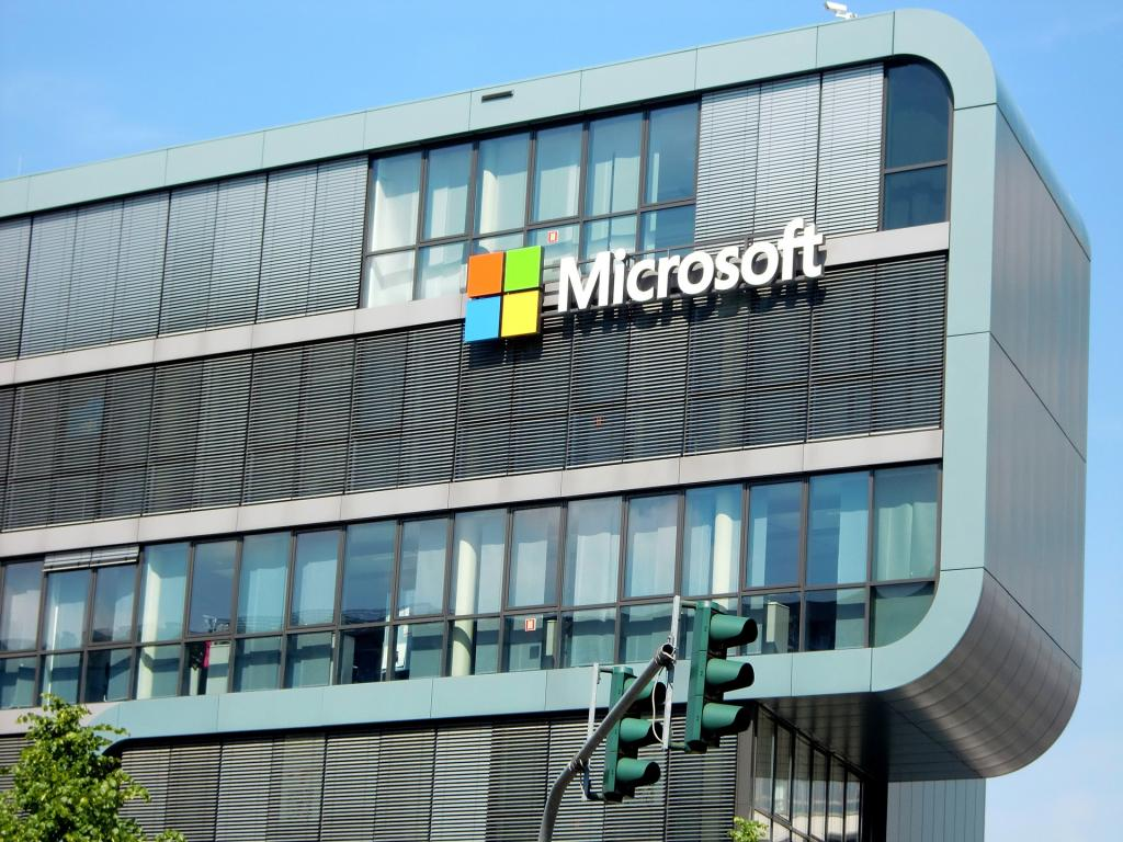 Microsoft Corporation (NASDAQ:MSFT), Amazon.com, Inc. (NASDAQ:AMZN ...