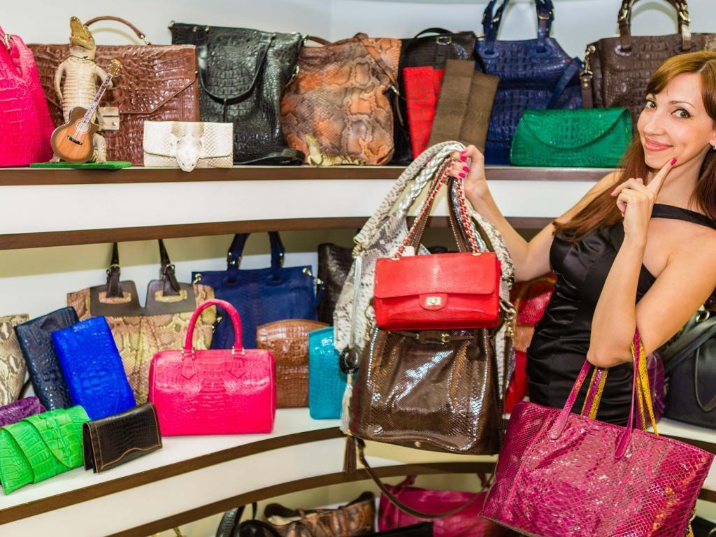 e3b216f976 Handbag Wars! Kate Spade And Coach Seek To Capitalize On Michael Kors   Retreat