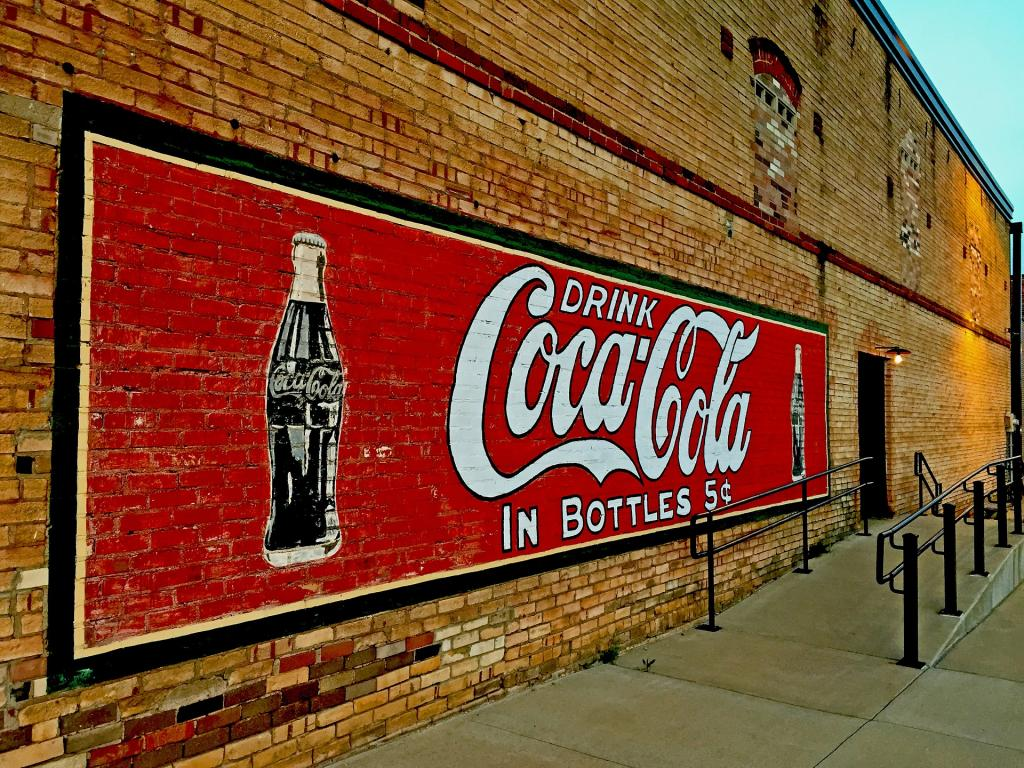 economic issues related to coca cola The current economic reforms in india have sparked off a wide debate on the  consequences of the.