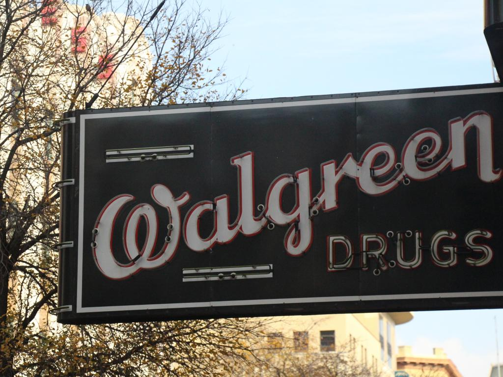 Walgreens in Talks to Purchase AmerisourceBergen