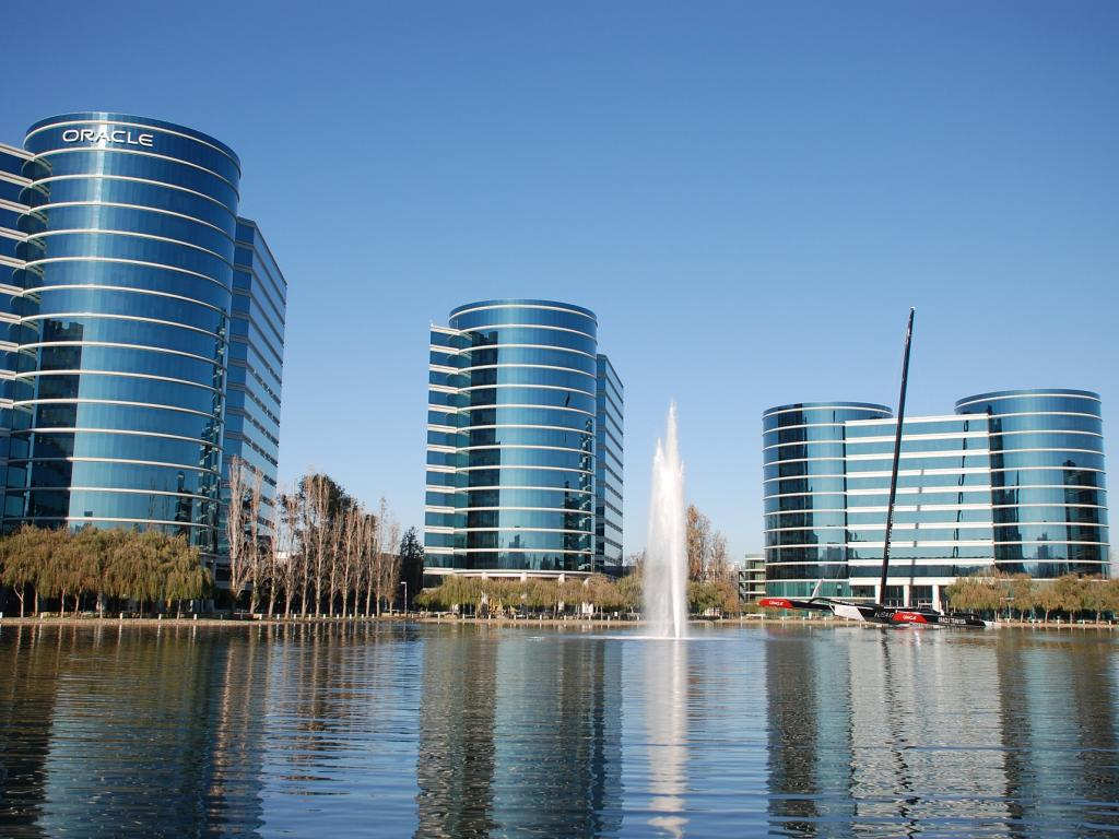The Core Reasons To Buy Oracle Haven't Changed