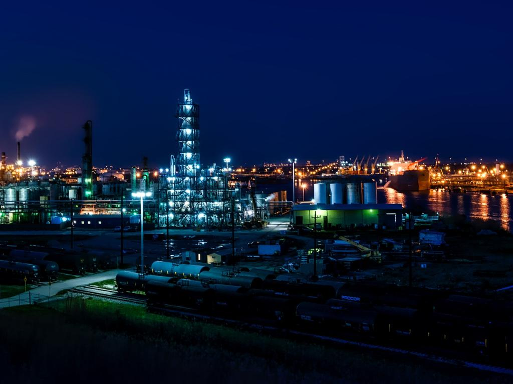 Here is What Institutional Investors Think About CVR Refining LP (NYSE:CVRR)