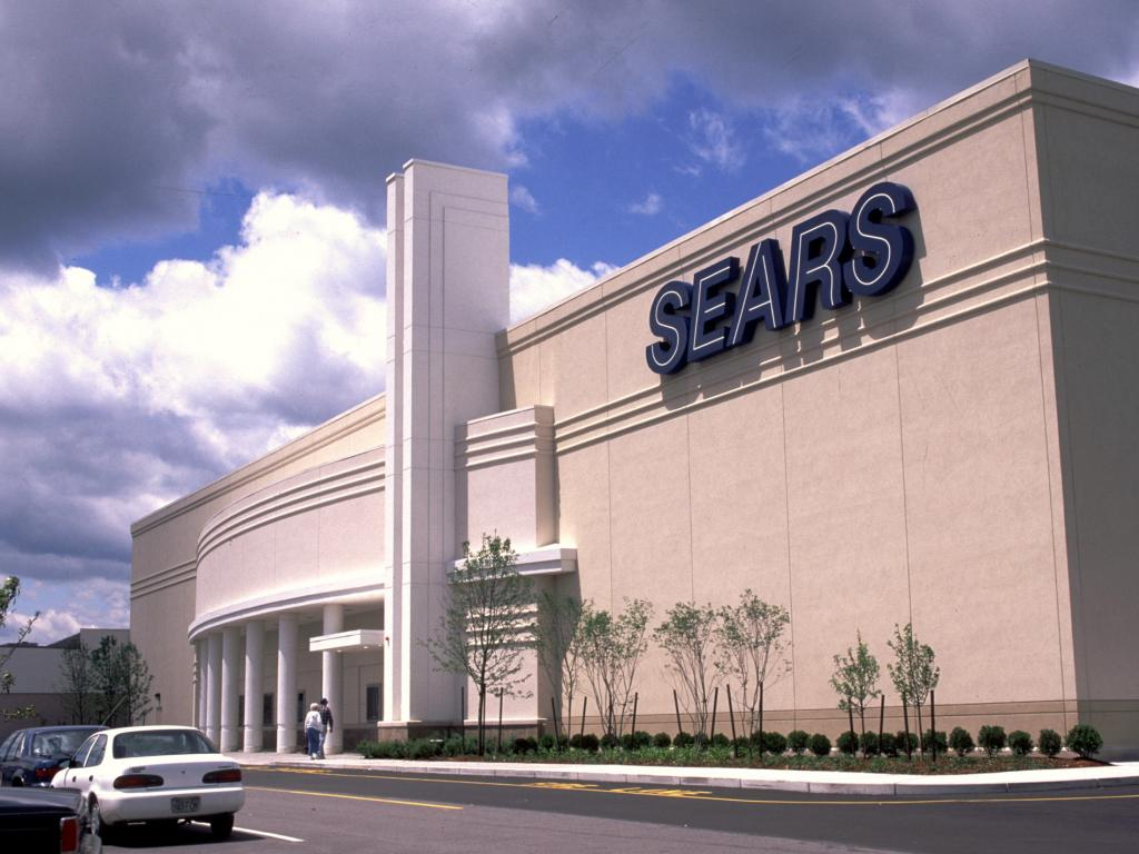 b21ddccf2f960 Sears Chairman Reportedly Submits 11th-Hour Bid As Retailer Faces  Liquidation