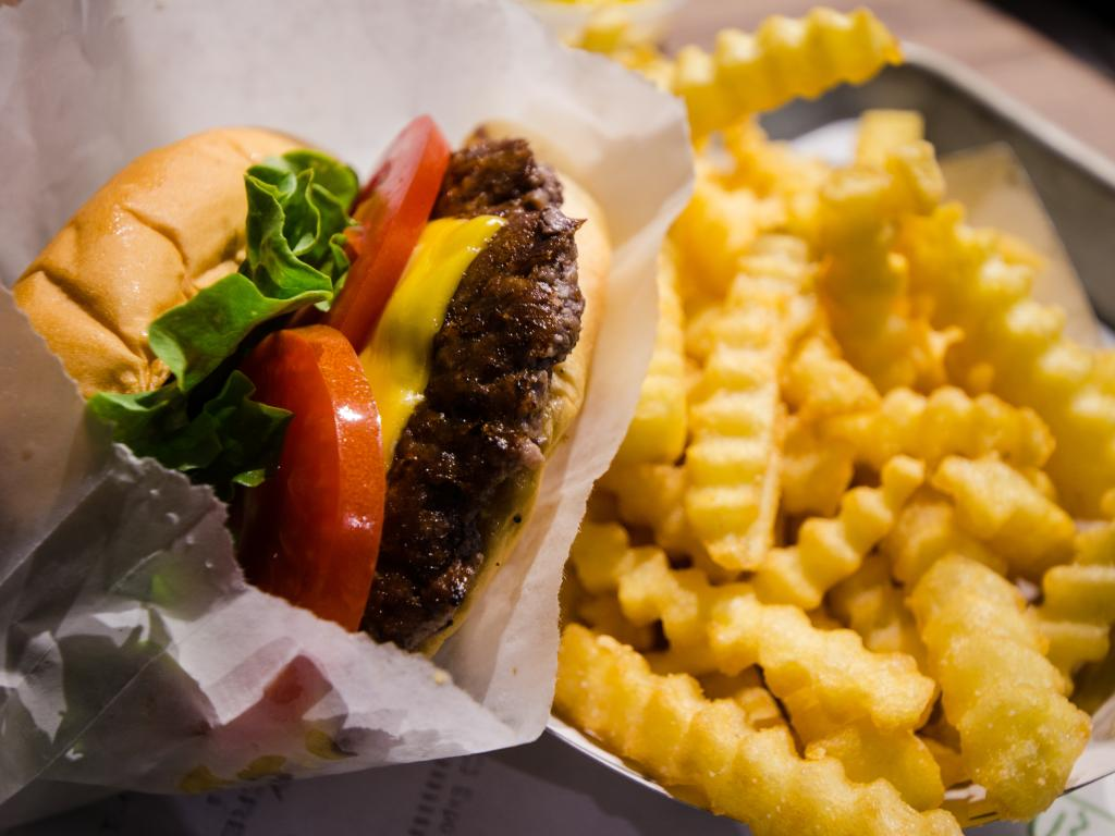 Shake Shack Inc (SHAK) Major Shareholder Sells 34900 Shares of Stock