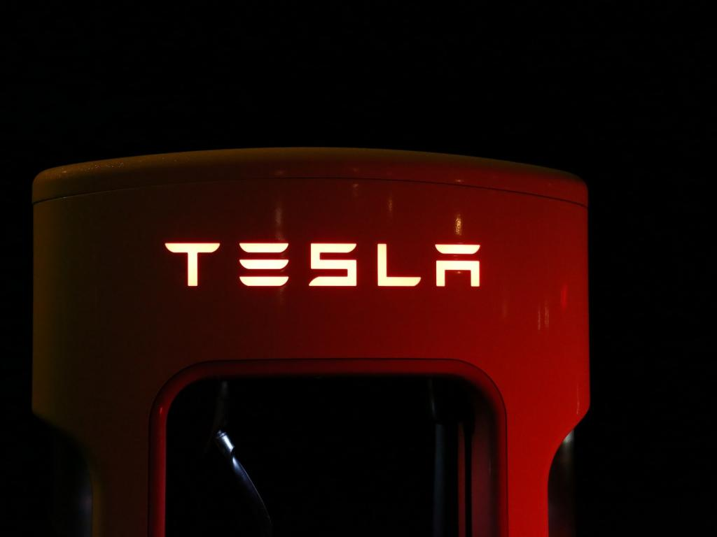 Tesla to buy electric auto  batteries from China's CATL