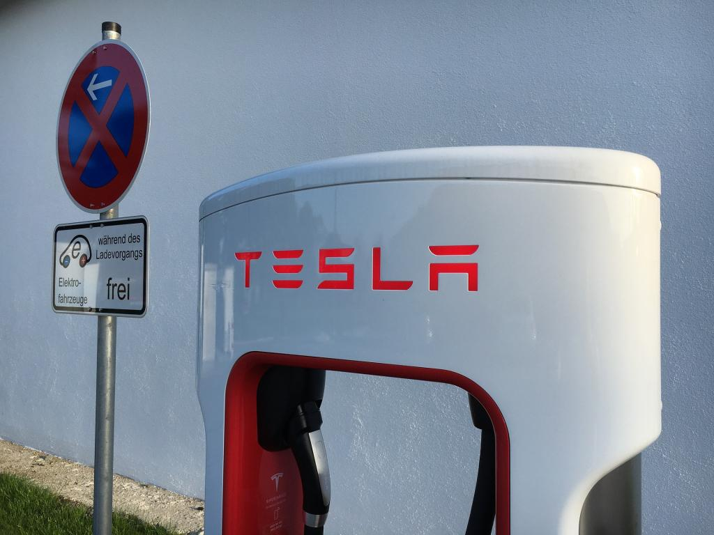Saudi Arabia might be interested in helping Tesla go private