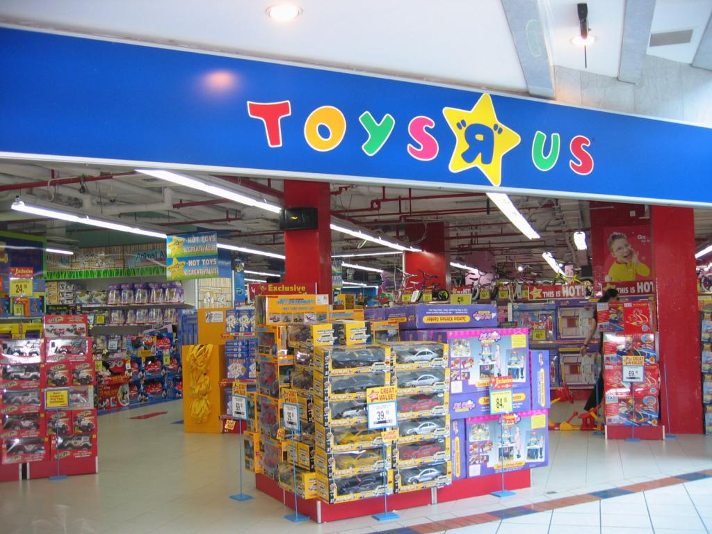 Toys 'R' Us hires firm to help it explore options