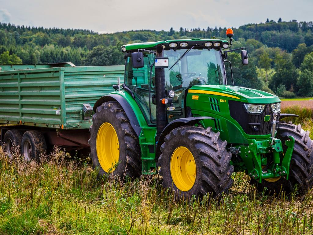 Deere And Co Q3 Earnings Rise 31%