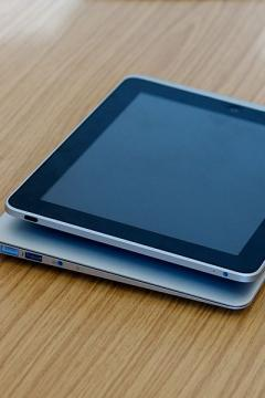Apple's Giant iPad Slated For October