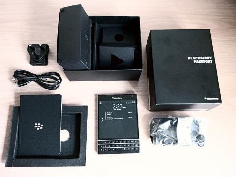 BlackBerry Offers Big Bucks For Used iPhones