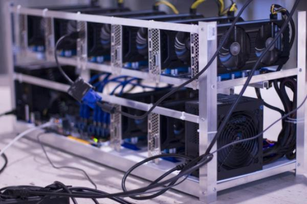 Peter Thiel-Backed Startup Begins Mining Bitcoin In US To Counter Chinese D...