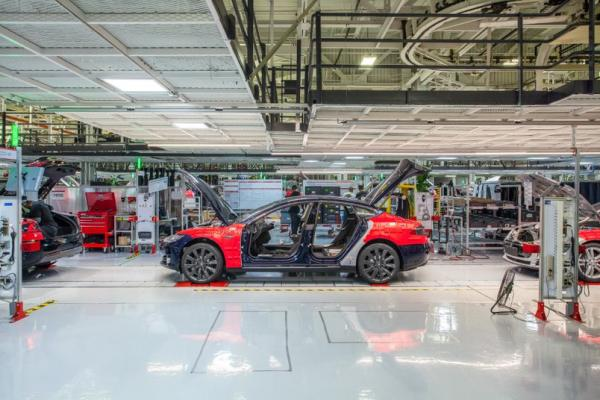 3 Reasons Why Tesla Will Hit $6,000, According To Ark Invest's Catherine Wood