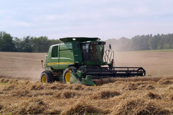Deere Trades higher After Major Q1 Earnings Beat