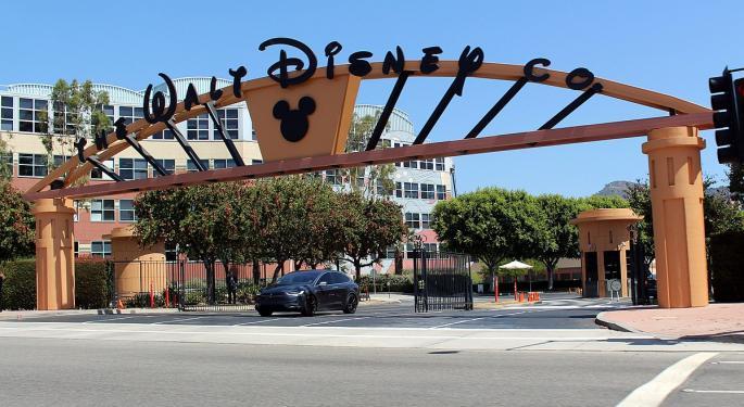 Disney Scion Criticizes CEO Iger's 'Insane' Pay
