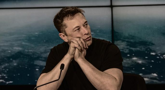 Why Elon Musk Had To Apologize For Smoking Weed With Joe Rogan