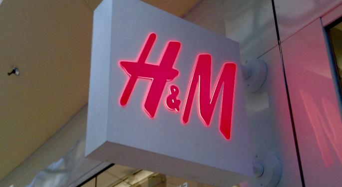 A Reputation Expert's Advice For H&M After Racially Insensitive Clothing Scandal