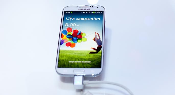 Apple's Plan to Take Down Samsung's Galaxy S4 AAPL, SSNLF