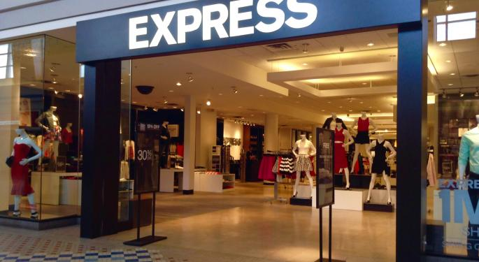 Express Trades Lower After Q2 Earnings