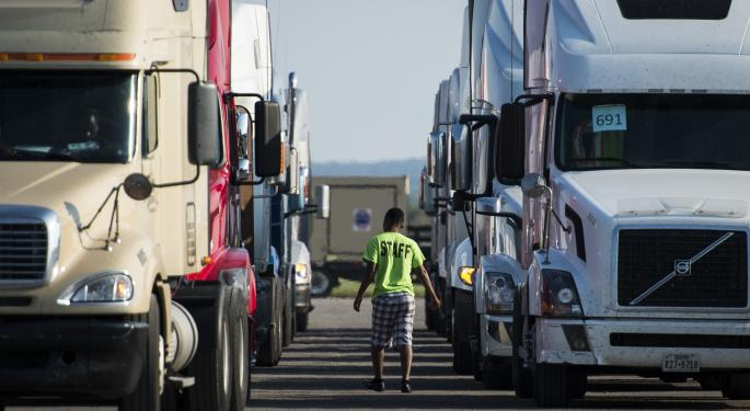 New TruckPark App Helps Truck Drivers Reserve Parking Spaces