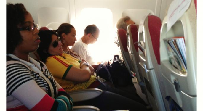 FCC Proposes Lifting Ban on In-Flight Cell Phone Use