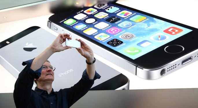 Apple Should Have 'Immediately' Apologized For iPhone Blunder