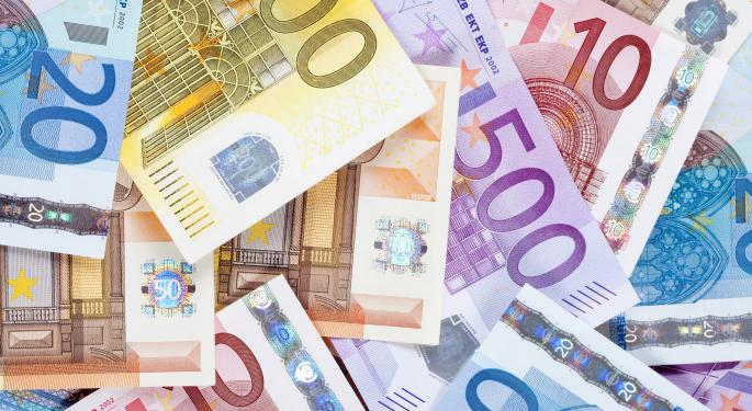 Following Poor Eurozone Data, Euro Drops To 14-Month Low