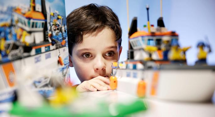 How Can Mattel, Inc. And Other Toymakers Beat Lego?