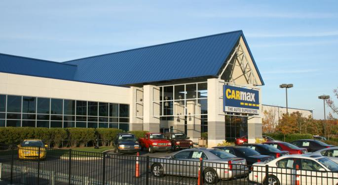 Downshifting CarMax To A Perform Rating, Analyst Sees Continuing Sales Momentum In Question