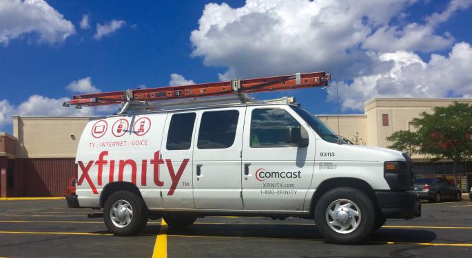 The Street Tries To Get A Clear Signal On Comcast's New Mobile Phone Service