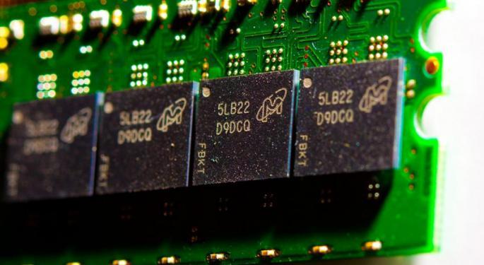 Micron, Western Digital Get Big Upgrades At Cowen, NAND Market In Focus