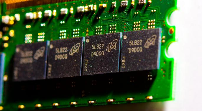 Series Of Large Options Trades Suggests More Volatility For Micron