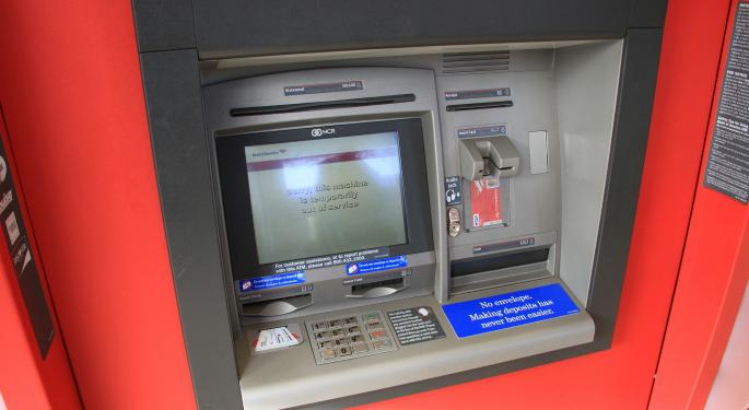 4 Ways To Avoid ATM Fees If You Have An Online Bank
