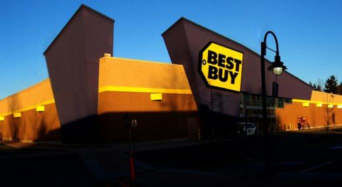 On The Brink Of Best Buy's Q2, Barclays Stays Bullish