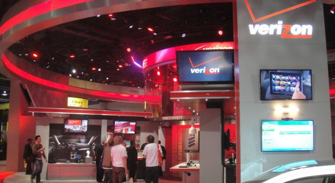 CNBC's 'Squawk On The Street' Crew Discusses The Reported Verizon-Charter Combination