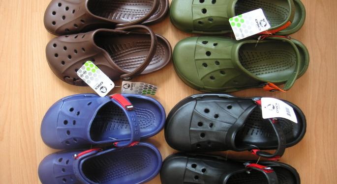 Those Shoes: Crocs' Lineup Makes Reaching $1.2B In Revenue Difficult, Susquehanna Says In Downgrade
