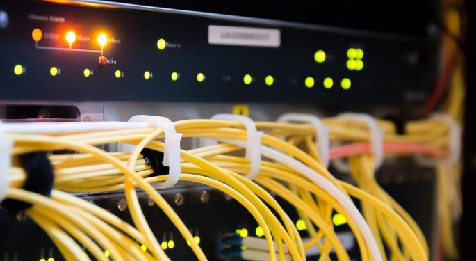 KeyBanc Downgrades Dycom After Guidance Cut, Awaits Revenue Re-Acceleration