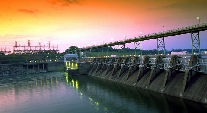 Tennessee River Closed To Barge Traffic Due To Flooding And Swift Currents
