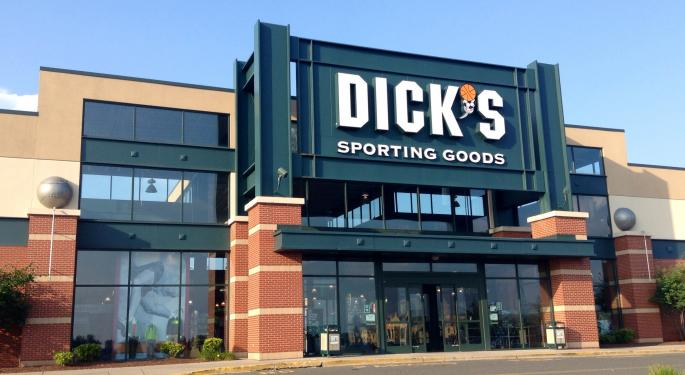 Analyst: Dick's Sporting Goods Set For Strong 2018 With New Product, Strategic Investments