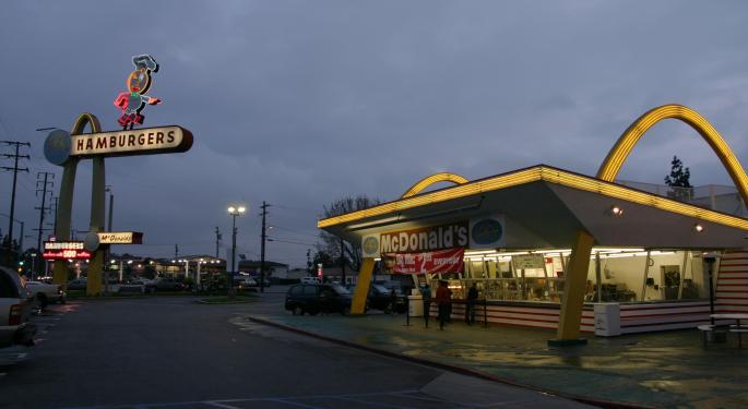 Stephens Downgrades McDonald's Ahead Of Q1 Report
