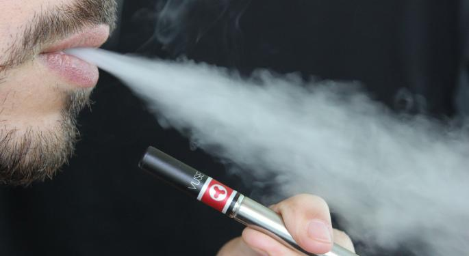 Flight Attendants Union Asks FAA To Ban E-Cigarettes On Airplanes