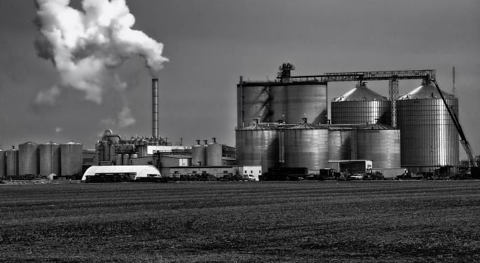 Analyst: 2020 Campaign Could Shift Policy Toward Ethanol Industry Over Refiners