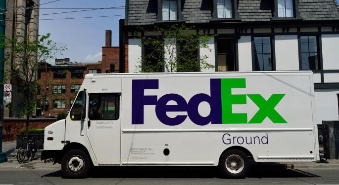 Bernstein: Amazon Flex Is No Threat To FedEx, UPS