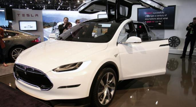 Tesla Downgraded At Baird, Firm Sees Model X Deliveries 'Unclear'