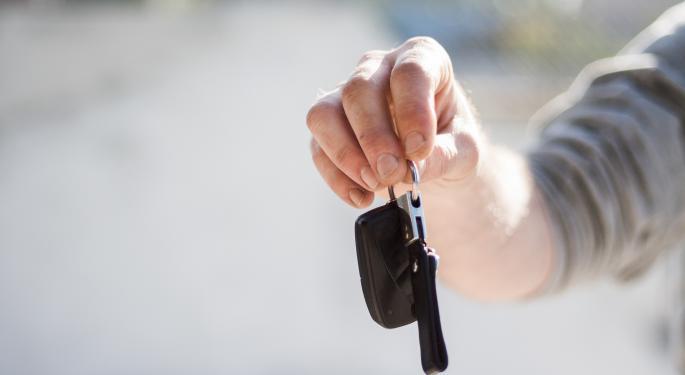 DA Davidson Bullish On Cars.com, Ambivalent On Competitors