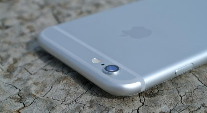 3 Apple Stories Circulating Before Earnings