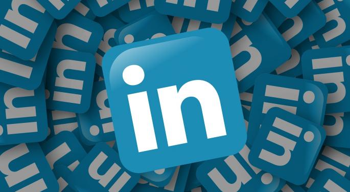 Pacific Crest's Confidence In LinkedIn Is 'Shaken,' But Thinks Selloff Is Overdone