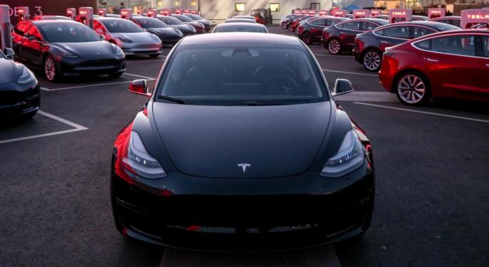 Tesla Analysts Weigh In On Huge Deliveries Miss