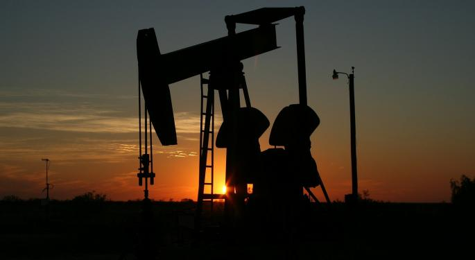 Barclays Cuts Oil Forecast, Sees Peak Near $40